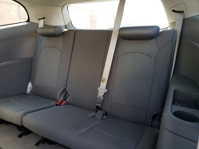 2011 Chevrolet Traverse FWD 4dr LS - Image 10