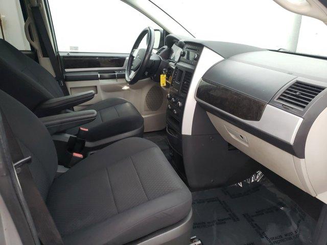 2010 Dodge Grand Caravan 4dr Wgn SXT - Image 14