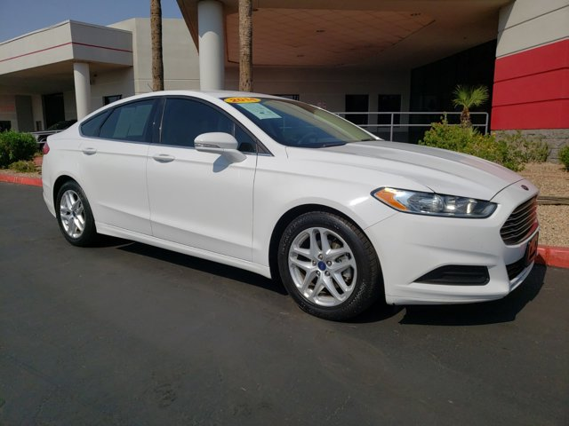 2014 Ford Fusion 4dr Sdn SE FWD - Image 8