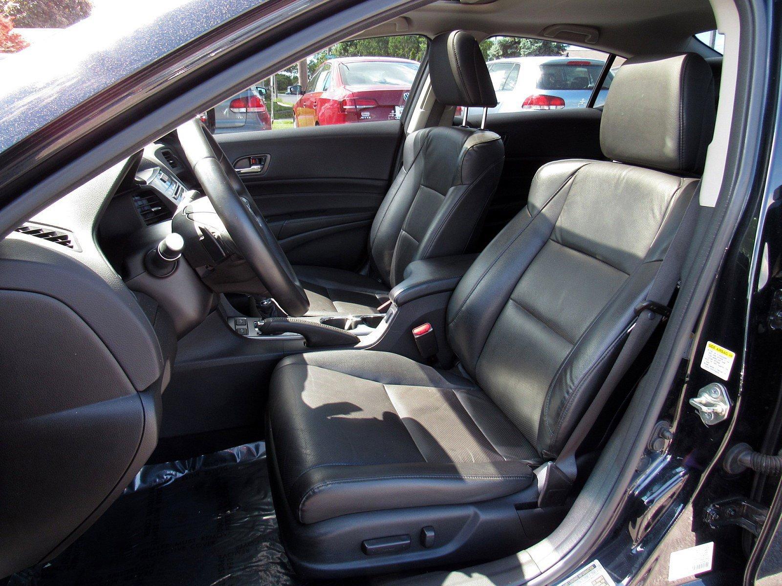 2014 Acura ILX 4dr Car