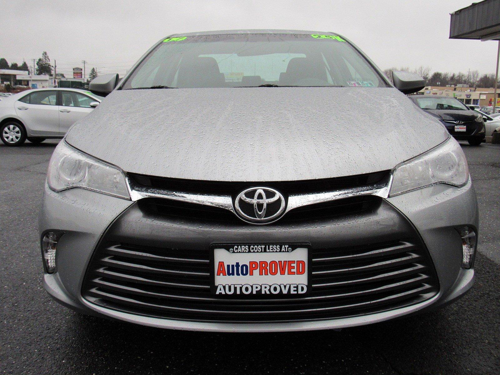 2017 Toyota Camry 4dr Car