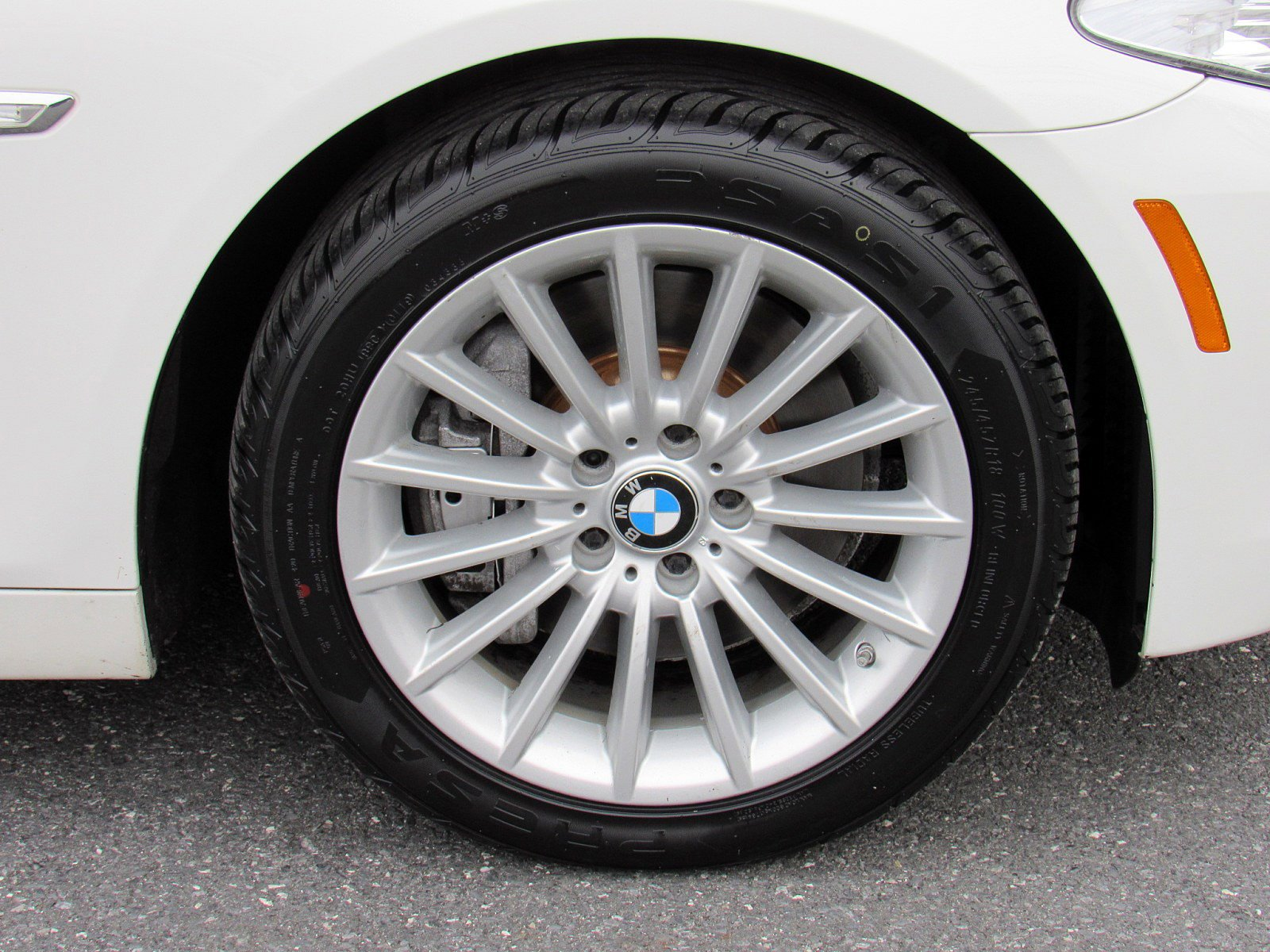 2013 BMW 5 Series 4dr Car