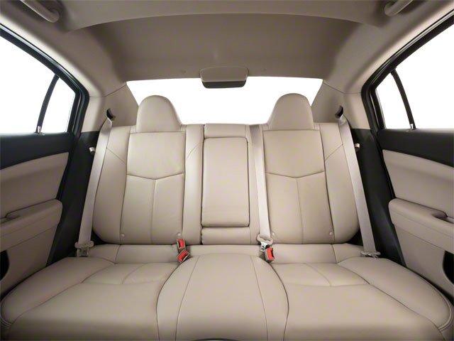 2013 Chrysler 200 4dr Car