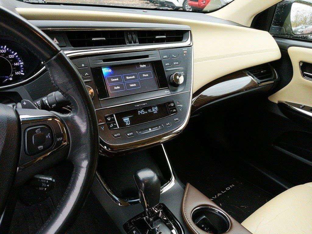 2014 Toyota Avalon 4dr Car