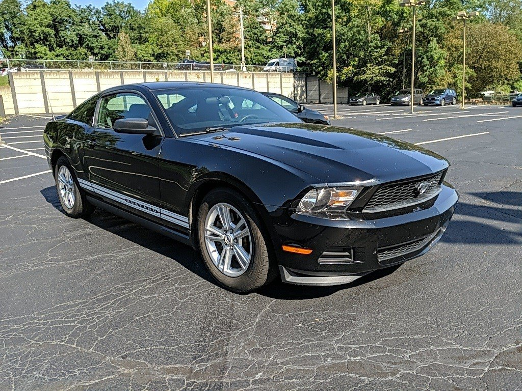 2012 Ford Mustang 2dr Car