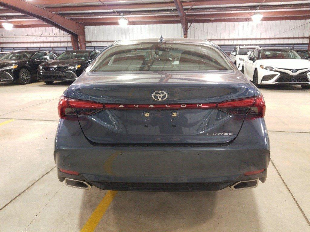 2020 Toyota Avalon 4dr Car