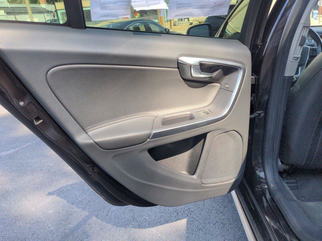 2018 Volvo V60 Cross Country Station Wagon