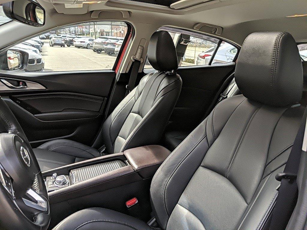 2018 Mazda Mazda3 5-Door Hatchback