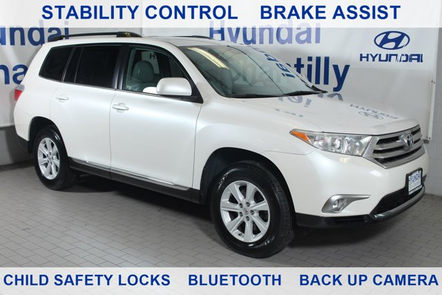 Preowned 2013 TOYOTA Highlander SE for sale by Hyundai of Chantilly in Chantilly, VA