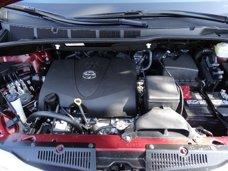 New 2017 Toyota Sienna Limited FWD 7-Passenger
