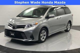Used-2020-Toyota-Sienna-LE