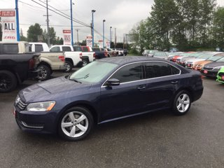 Used-2013-Volkswagen-Passat-4dr-Sdn-25L-Auto-SE-w-Sunroof-and-Nav-PZEV