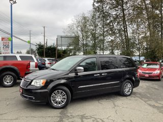 2014-Chrysler-Town-and-Country-4dr-Wgn-Touring-L