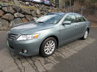 Used-2011-Toyota-Camry-XLE