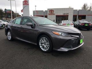 New-2020-Toyota-Camry-XLE-Auto