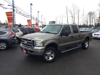 Used-2005-Ford-Super-Duty-F-250-Crew-Cab-156-Lariat-4WD