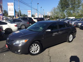 Used-2011-Toyota-Camry-4dr-Sdn-V6-Auto-XLE