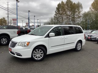 2015-Chrysler-Town-and-Country-4dr-Wgn-Touring