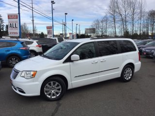 Used-2015-Chrysler-Town-and-Country-4dr-Wgn-Touring