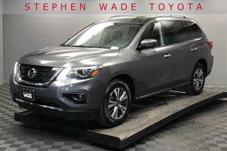 Used-2019-Nissan-Pathfinder-SL