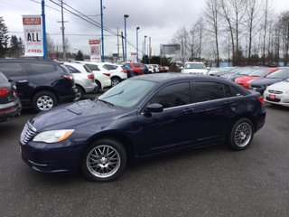 Used-2013-Chrysler-200-4dr-Sdn-Touring