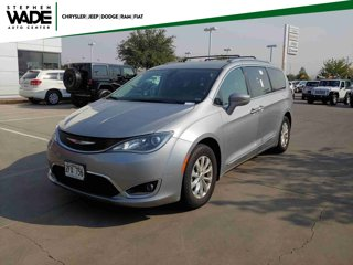 Used-2018-Chrysler-Pacifica-Touring-L