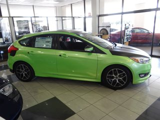 New-2016-Ford-Focus-5dr-HB-SE