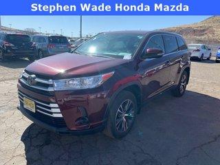 Used-2019-Toyota-Highlander-LE