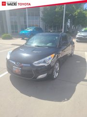 Used-2013-Hyundai-Veloster-with-Gray-Int