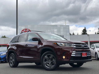 Used-2017-Toyota-Highlander-Limited-Platinum-V6-AWD