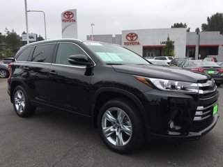 Used-2017-Toyota-Highlander-Limited-V6-AWD