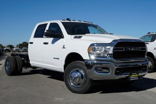 New-2019-Ram-3500-Chassis-Cab-Tradesman-2WD-Crew-Cab-60-CA-1724-WB