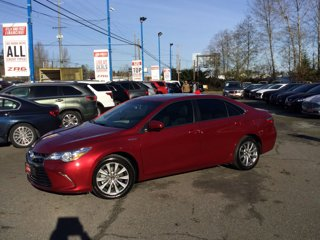 Used-2015-Toyota-Camry-Hybrid-4dr-Sdn-XLE