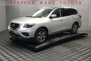 Used-2019-Nissan-Pathfinder-SL