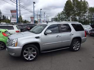 Used-2011-Cadillac-Escalade-AWD-4dr-Luxury