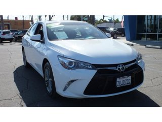 2017-Toyota-Camry-SE-4DR-FWD
