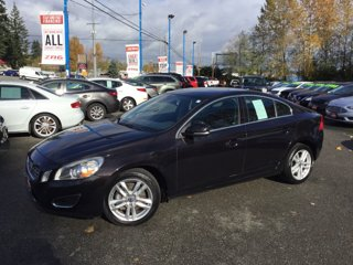 Used-2013-Volvo-S60-4dr-Sdn-T5-Platinum-FWD