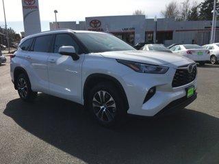 New-2020-Toyota-Highlander-XLE-AWD