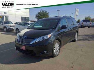 Used-2017-Toyota-Sienna-XLE-Premium