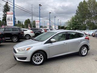 2017-Ford-Focus-SE-Hatch
