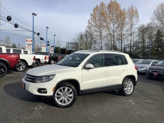 Used-2013-Volkswagen-Tiguan-2WD-4dr-Auto-SE-w-Sunroof-and-Nav
