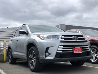 Used-2017-Toyota-Highlander-LE-Plus