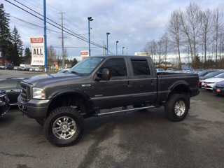 Used-2005-Ford-Super-Duty-F-250-Crew-Cab-156-XLT-4WD