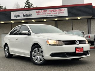 Used-2013-Volkswagen-Jetta-Sedan-SE