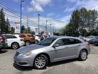 2014-Chrysler-200-4dr-Sdn-Touring