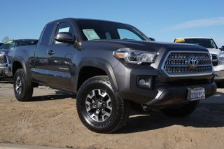 Used-2017-Toyota-Tacoma-TRD-Off-Road-Access-Cab-6'-Bed-V6-4x4-AT
