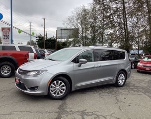 2019-Chrysler-Pacifica-Touring-L-FWD