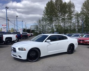2014-Dodge-Charger-4dr-Sdn-SE-RWD