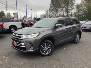 Used-2017-Toyota-Highlander-XLE-V6-AWD