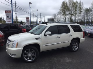 Used-2008-Cadillac-Escalade-AWD-4dr